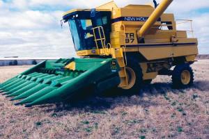 New Holland TR 75-98 Combine to John Deere Corn Head/Row Head/Platform