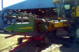 Case 5088-9230 or New Holland CR Combine to John Deere 200 or 900 Series Platform, SKU: 700-0007P